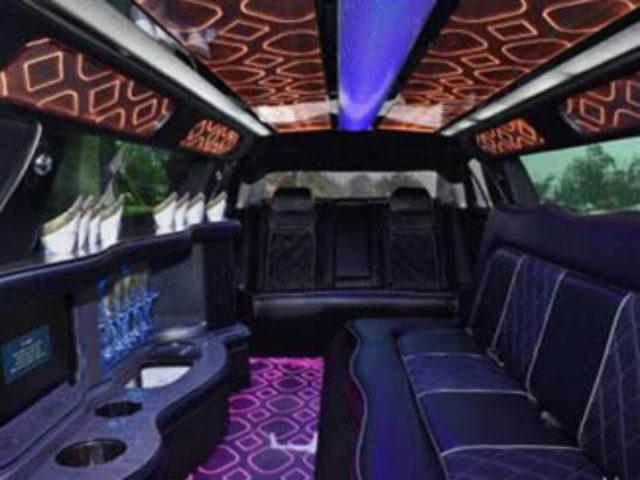 10 Passenger Stretch Limousine - Chrysler 300