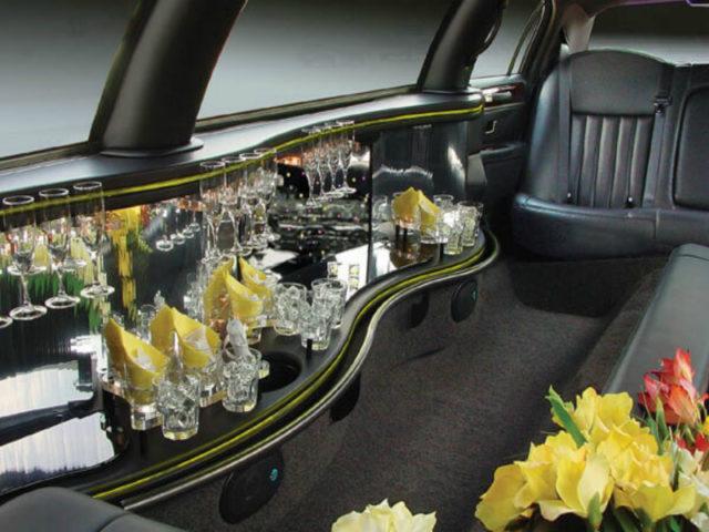 8-10 Passenger Stretch Limousine - Lincoln