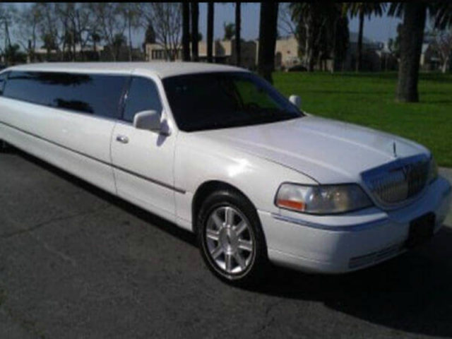 8-10 Passenger Stretch Limousine - Lincoln
