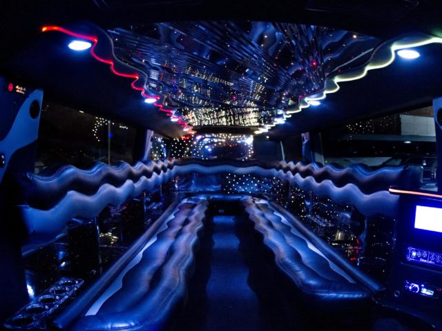 20 Passenger Stretch SUV Limousine - H2 Hummer